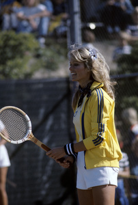 Farrah Fawcett playing tennis1979© 1979 Gunther - Image 5928_0325