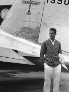 Howard Hughes in front of the secret plane being made for him for his around the world flight, 1939, ** I.V. - Image 5944_0024