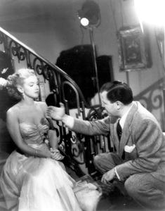 Marilyn Monroe, Director Joseph L. MankiewiczFilm Set/20th Cent. FoxAll About Eve (1950)0042192 - Image 5956_0010