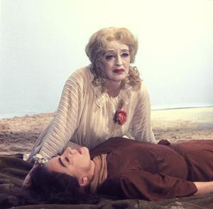"""What Ever Happened To Baby Jane?""Bette Davis, Joan Crawford1962 Warner Brothers**I.V. - Image 5959_0015"