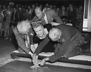 Irene Dunne, Rex Harrison and Sid Grauman         at the Chinese Theatre Handprint Ceremony1946 **I.V. - Image 5974_0543