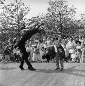 Guy Williams as Zorro at Disneyland1958© 1978 Sid Avery - Image 5975_0078