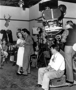 """""""Place In Tbe Sun, A""""Shelley Winters and Montgomery Clift withDir. George Stevens watching the scene.1951 Paramount / **I.V. - Image 5984_0018"""