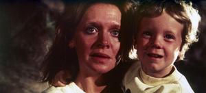 """Close Encounters of the Third Kind""Melinda Dillon, Cary Guffey © 1977 Columbia - Image 6001_0007"