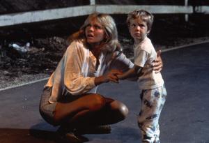 """Close Encounters of the Third Kind""Melinda Dillon, Cary Guffey © 1977 Columbia - Image 6001_0016"