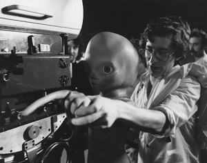 """Close Encounters of the Third Kind""Steven Spielberg1977 Columbia**I.V. - Image 6001_0019"