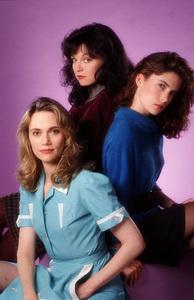 Lara Flynn Boyle, Sheryl Lee, Peggy LiptonABCTwin Peaks (1990) © 1990 Mario Casilli / MPTV - Image 6065_0009