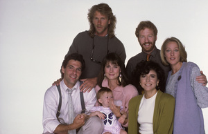 """thirtysomething""Peter Horton, Timothy Busfield, Polly Draper, Ken Olin, Mel Harris, Brittany Craven, Patricia Wettig1987 © 1987 Mario Casilli - Image 6069_0020"