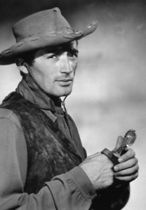 """""""Duel In The Sun""""Gregory Peck1946 Selznick**I.V. - Image 6147_0004"""