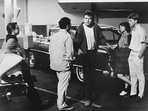 """""""American Graffiti""""Charles Martin Smith, Richard Dreyfuss, Paul Le Mat, Cindy Williams, Ron Howard1973 Universal Pictures - Image 6199_0063"""