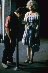 """""""American Graffiti""""Charles Martin Smith, Candy Clark1973 Universal Pictures** I.V. - Image 6199_0216"""