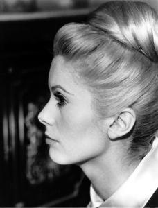 """Belle de jour""Catherine Deneuve1967 Paris Film/Five Film**I.V. - Image 6231_0015"