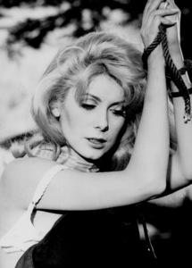 """Belle de jour""Catherine Deneuve1967 Paris Film/Five FIlm**I.V. - Image 6231_0016"