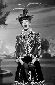 """Cover Girl""Rita Hayworth1944/ColumbiaMPTV/ © 1978 Ned Scott Archive - Image 6264_0013"