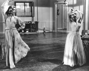 """""""How To Marry A Millionaire""""Lauren Bacall, Marilyn Monroe1953 / 20th Century Fox**R.C. - Image 6497_0001"""