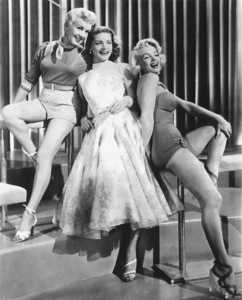 """""""How To Marry A Millionaire""""Betty Grable, Lauren Bacall, Marilyn Monroe1953 / 20th Century Fox**R.C. - Image 6497_0012"""