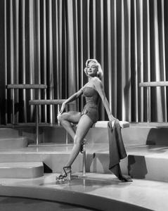 """How to Marry a Millionaire""Marilyn Monroe1953 20th Century Fox** I.V. - Image 6497_0036"
