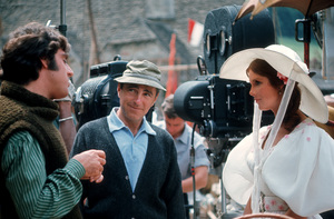 """Director Richard Fleischer, Anthony Newley and Samantha Eggar during the making of """"Doctor Dolittle""""1967 20th Century Fox © 1978 Bob Willoughby - Image 6622_0003"""