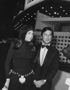 Ali MacGraw with husbandRobert EvansC.1971 - Image 6628_0077