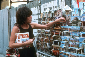 Ali MacGrawon location in Europe duringfilm production1981/**H.L. - Image 6628_0126