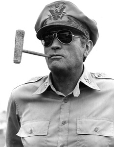 """""""MacArthur""""Gregory Peck1977 Universal Pictures © 1978 Larry Barbier - Image 6783_0003"""