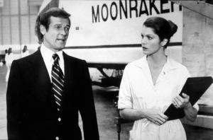 """Moonraker,""Roger Moore, Lois Chiles © 1979 MGM / MPTV - Image 6858_0006"