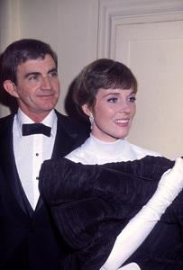 Blake Edwards and Julie Andrews1968**I.V. - Image 7068_0013