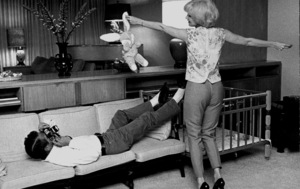 Joanne Woodward at home dancing for Paul Newman, 1963. © 1978 David SuttonMPTV - Image 70_263