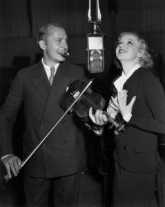 Dixie Lee Crosby and Ben Bernie1934 - Image 7156_0001