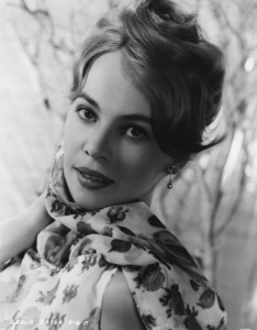 "Leslie Caron publicity for ""The Subterraneans"" © 1960 MGM - Image 715_0009"