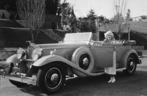 Jean Harlow with her 1932 PackardC. 1932*M.W. - Image 716_1178