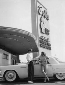 Debbie Reynolds and her 1955 T Bird, 1955. © 1978 Joe Shere - Image 71_1024