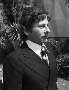 Roman Polanski leaving a courthouse in L.A.1977 © 1978 Gunther - Image 7200_0029