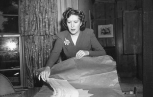 Gracie Allen at home during a charity event at the Tick Tock Tea Room, c. 1939. © 1978 Sid Avery - Image 7224_0016