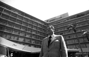 Barron Hilton in front of the Beverly Hilton Hotelcirca 1978 © 1978 Gunther - Image 7485_0007