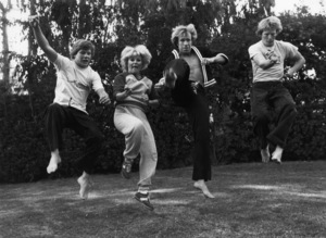 Chuck Norris at homecirca 1981© 1981 Gunther - Image 7513_0016