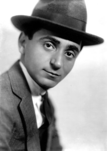 Irving Berlin a composer, 1915.Photo by Pach Brothers / **I.V. - Image 7560_0002