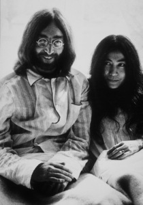 "John Lennon and Yoko Ono ""Bed-In"" atAmsterdam Hilton Hotel for seven days,March 25, 1969MPTV - Image 7648_0001"