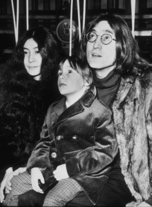 John Lennon, Yoko Ono, and son JulianDecember 10, 1968MPTV - Image 7648_0002