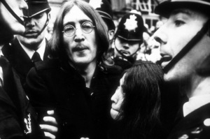 John Lennon and Yoko Ono leaving courtafter hearing on charges of possessing marijuana, Oct. 19, 1968MPTV - Image 7648_0003