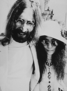 John Lennon and Yoko Ono before meeting the press at the Montreux Palace Hotel,April 26, 1969MPTV - Image 7648_0004