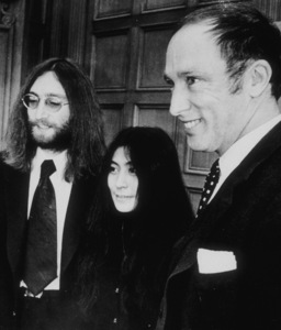 John Lennon and Yoko Ono meet with prime ministerPierre Elliot Trudeau on Parliament Hill,December 23, 1969MPTV - Image 7648_0012