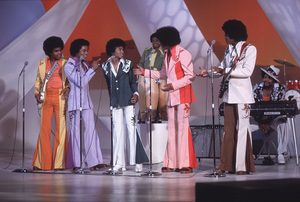The JacksonsTito, Marlon, Michael, Randy, Jackie, Jermaine1977**H.L. - Image 7670_0026