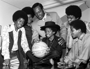 """Jackson 5Jermaine, Jackie, Elgin Baylor, Michael, Tito and Marlon Jackson at the promo for their concert """"The Forum"""" circa 1972Photo by Larry Kastendiek - Image 7670_0032"""