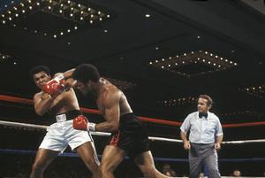 Muhammad Ali vs. Leon Spinks / Las Vegas Hilton / Las Vegas, Nevada1978 © 1978 Gunther - Image 7683_0135