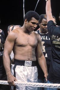 Muhammad Ali vs. Joe Frazier / Manila, Philippines (The Thrilla In Manila)1975 © 1978 Gunther - Image 7683_0427