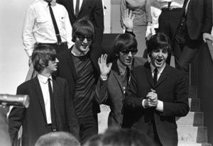 The Beatles (Ringo Starr, John Lennon, George Harrison, Paul McCartney) waving their hands in Los Angeles1966 © 1978 Bud Gray - Image 7685_0011