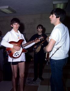 The BeatlesPaul McCartney ,John Lennon,and George Harrison1964 in Florida/**I.V. - Image 7685_0211