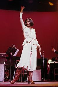 Dionne Warwick1976 © 1978 Ed Thrasher - Image 7702_0036
