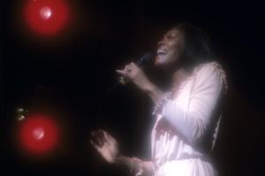 Dionne Warwick1976 © 1978 Ed Thrasher - Image 7702_0045